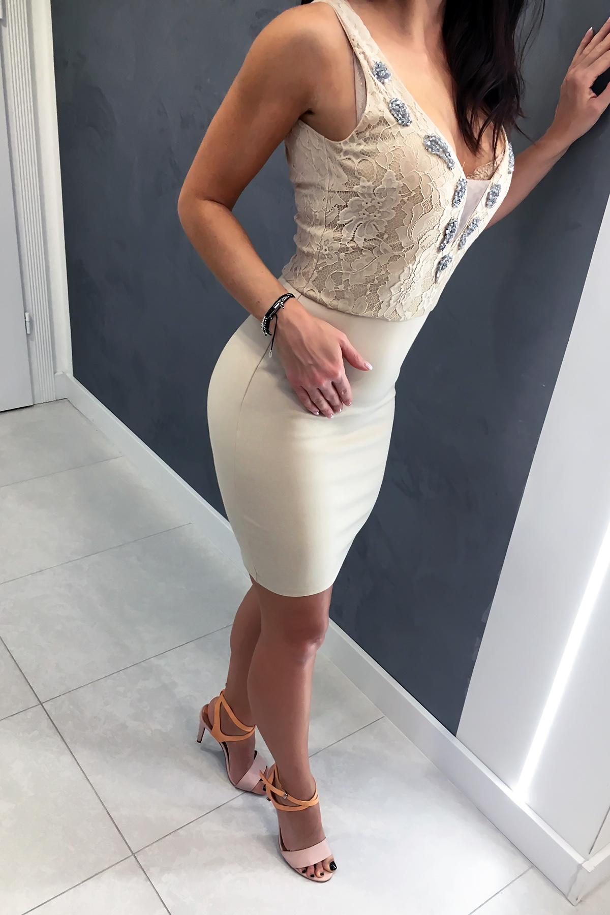 SOKY SOKA  beez kleit