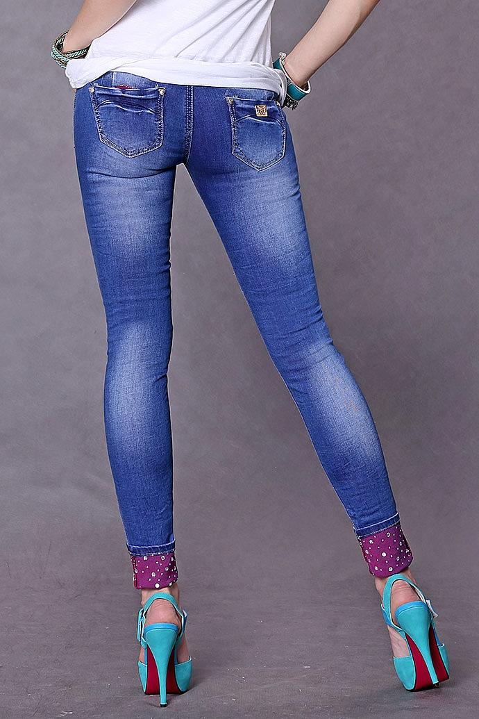 фото джинсы в обтяшку